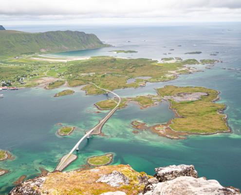 Blick auf Volandstinden, Lofoten, Norwegen